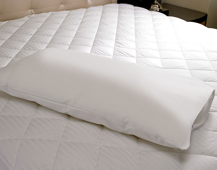 100 Cotton Pillow Protector Hotel Quality Linens Comforters And Pillows At The Sheraton
